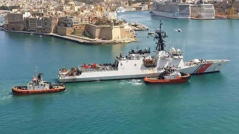 The Legend-class U.S. Coast Guard cutter Hamilton conducted a port visit in Valletta, Malta,...
