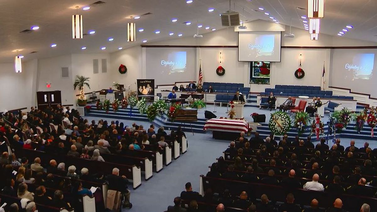 People gather to honor the life and service of Officer Jason Quick (Source: WMBF News)