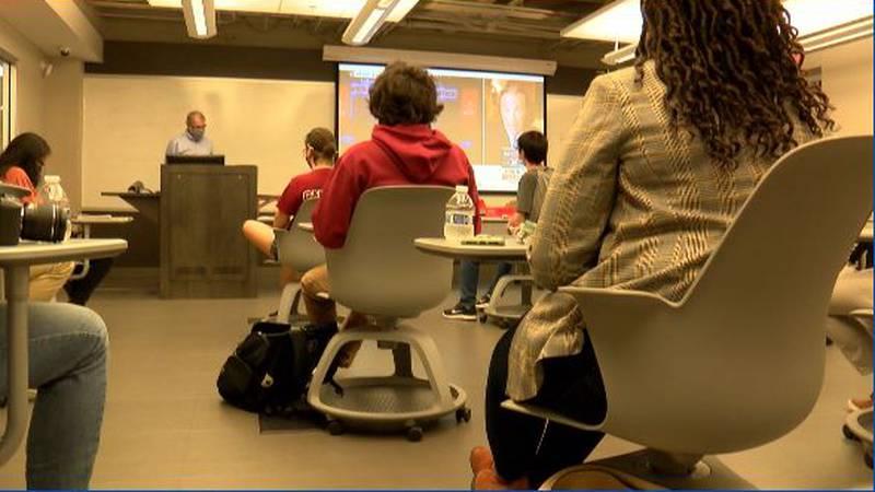 UofSC students study South Carolina's social media reaction to final presidential debate.