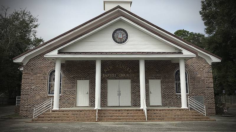 Some members of a Summerville church want their pastor permanently booted from the pulpit....