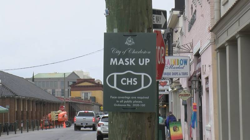 The City of Charleston has signs posted to remind people to wear a mask.