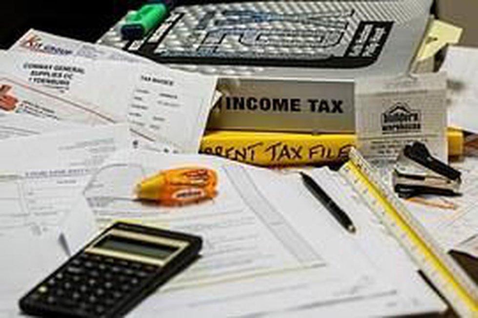 Free help with tax preparation began Saturday. (Source: Pixabay)