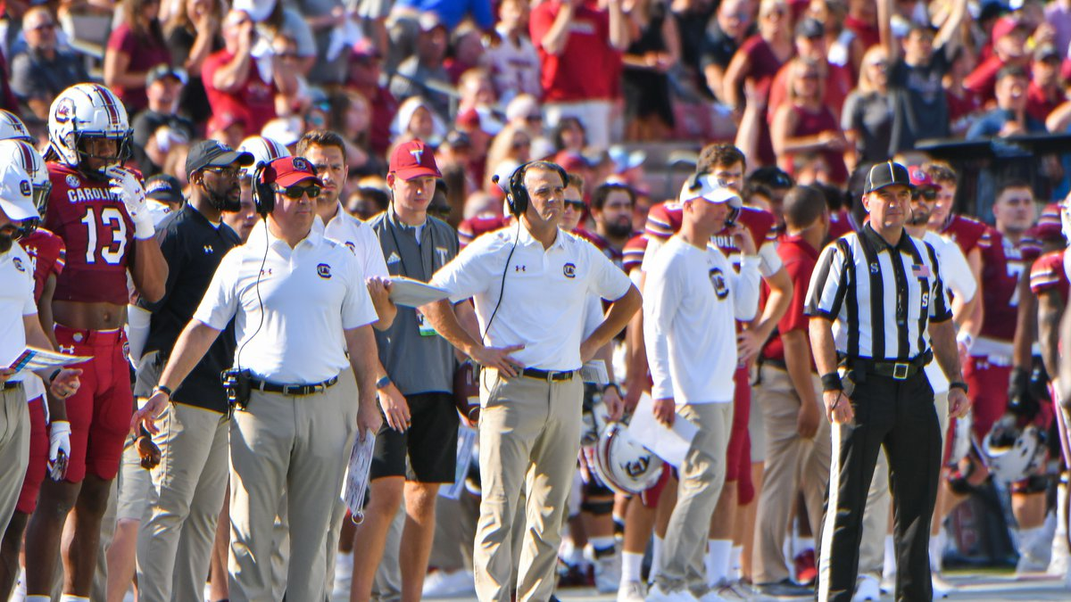 South Carolina prepares to face Tennessee on Saturday