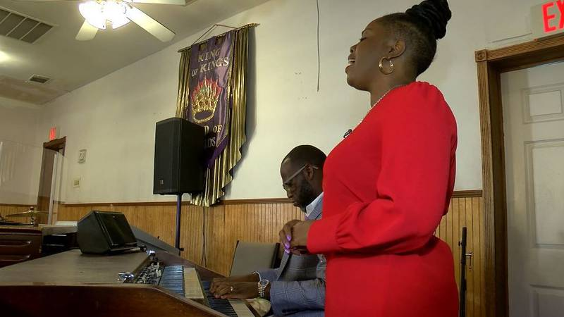 Timothy and Janetta Campbell say they were falsely accused of shoplifting. (Source: Live 5)