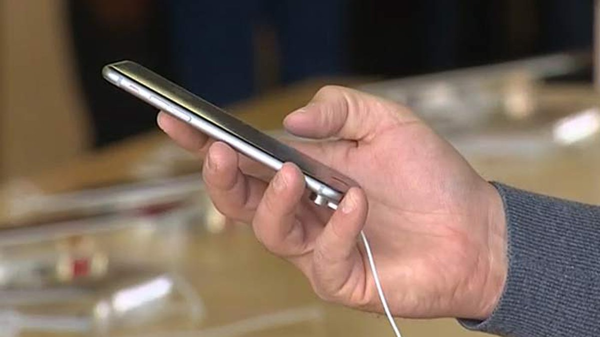 iPhone users can determine whether they are eligible to file a claim for a portion of a lawsuit...