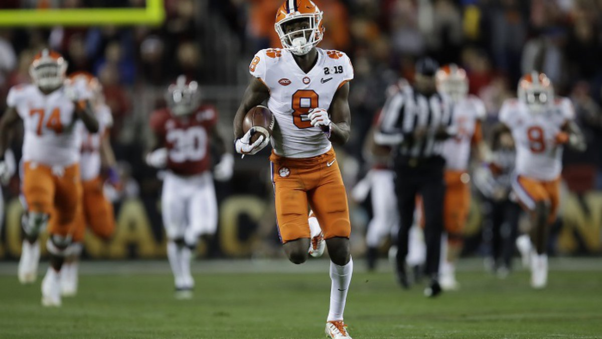 Clemson's Justyn Ross catches a touchdown pass during the second half of the NCAA college...