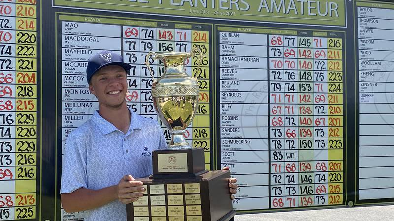 UNC Wilmington junior Drew Hackett shot -6 on Friday to win the 49th annual Rice Planters Amateur