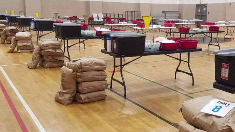 Seniors at Porter-Gaud will kick off the school year Friday morning by packing food supplies...