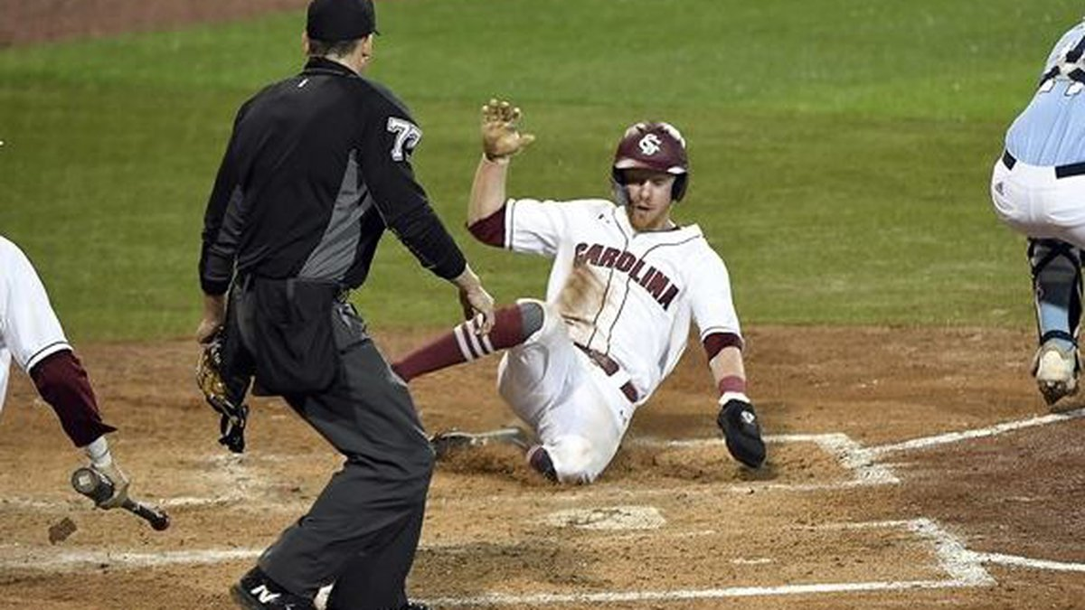 South Carolina won their 5th in a row with a 10-1 win over The Citadel on Tuesday