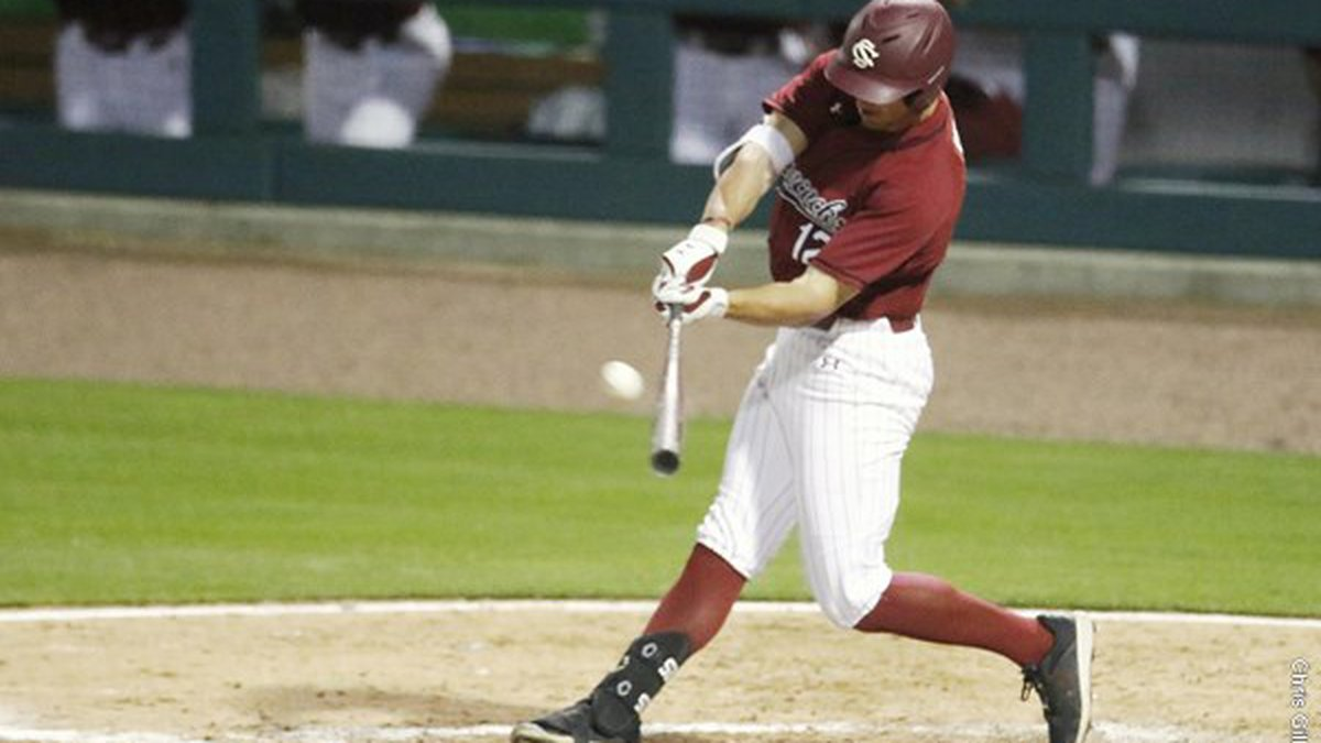 South Carolina fell in extra innings to North Carolina on Tuesday in Charlotte