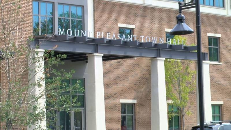 Mount Pleasant Town Council voted unanimously Tuesday to give town firefighters a raise.