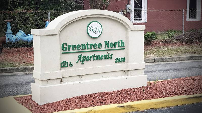 A tenant at a North Charleston apartment complex said she is fearful after a young man was...