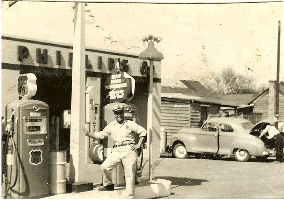 Liberty Hill - Harper Gas Station