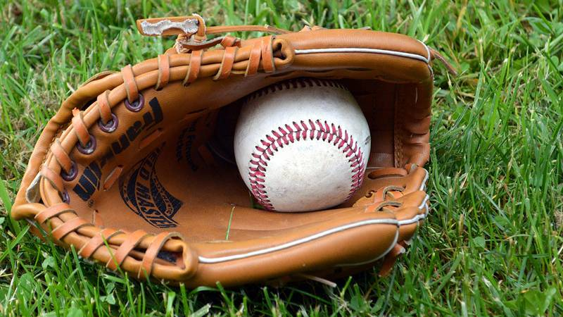 Baseball and Glove (Image by Chris Pastrick from Pixabay)