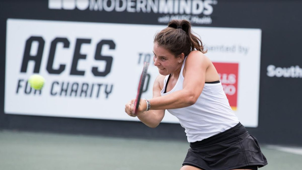 Lowcountry native Emma Navarro lost in straight sets on day 1 of the Credit One Bank...