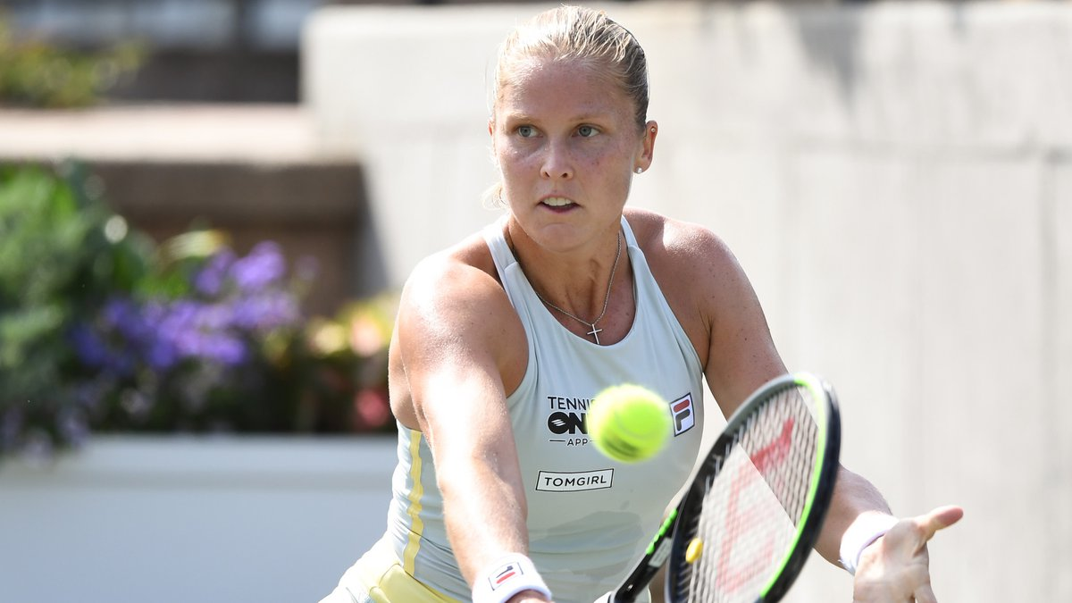 Lowcountry native Shelby Rogers moved on to the quarterfinals of the MUSC Health Women's Open...