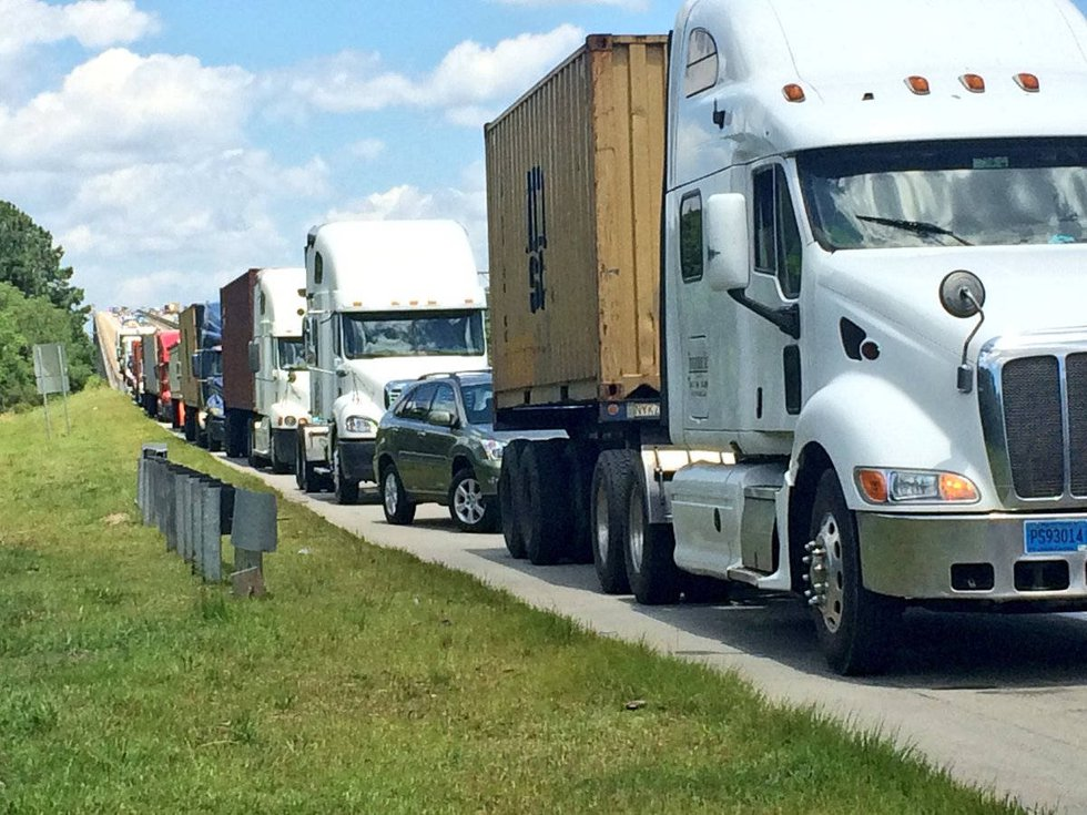Another round of backups happened along the shoulder of I-526 Wednesday. (Source: Live 5)