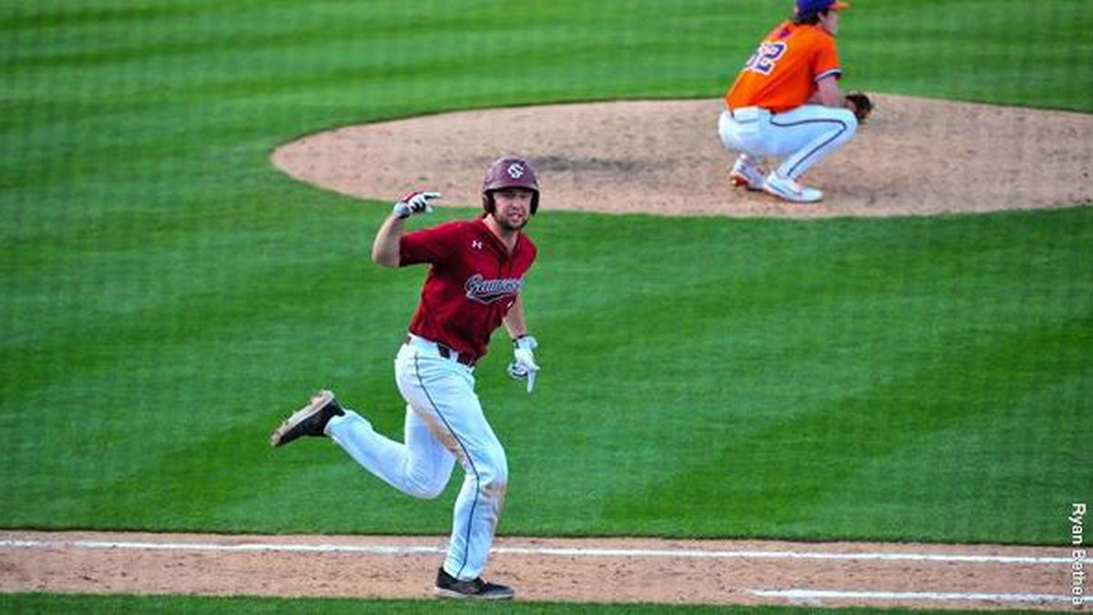 Andrew Eyster had the walk-off hit for the 2nd day in a row to lead South Carolina over Clemson...