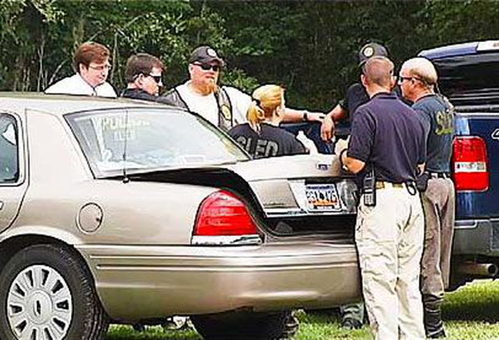 Investigators converge to a motel in Georgetown looking for clues in the Brittanee Drexel case.