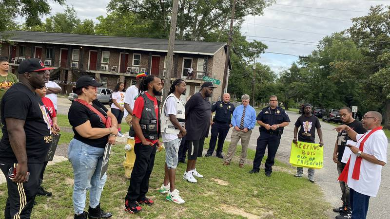 Community groups in North Charleston are coming together to help stop gun violence after an...