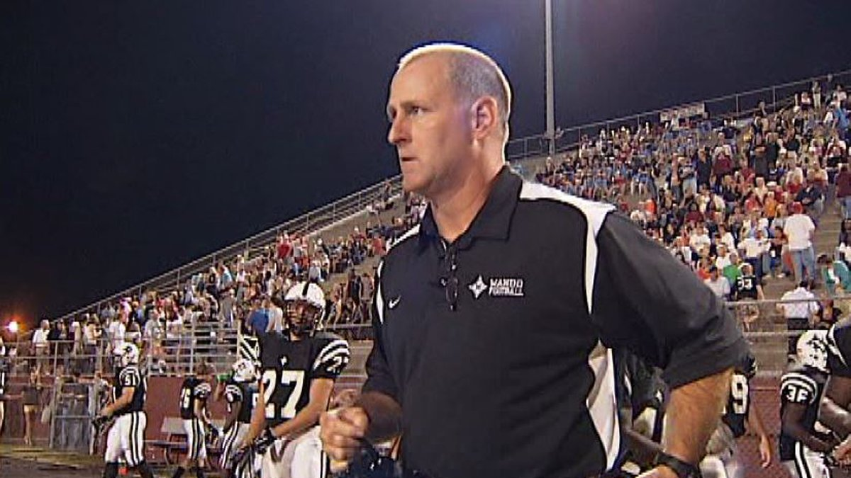 Wando AD Bob Hayes passed away at the age of 60 on Friday after a long battle with cancer.